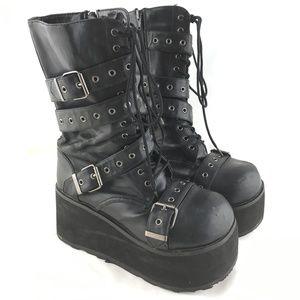 Platform boots chunky strappy black Trashville 205